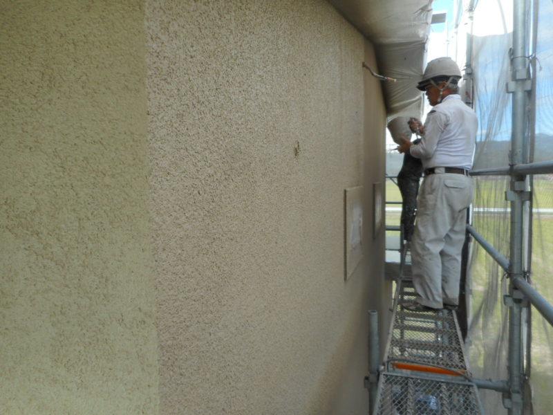 【写真】外壁吹付塗装